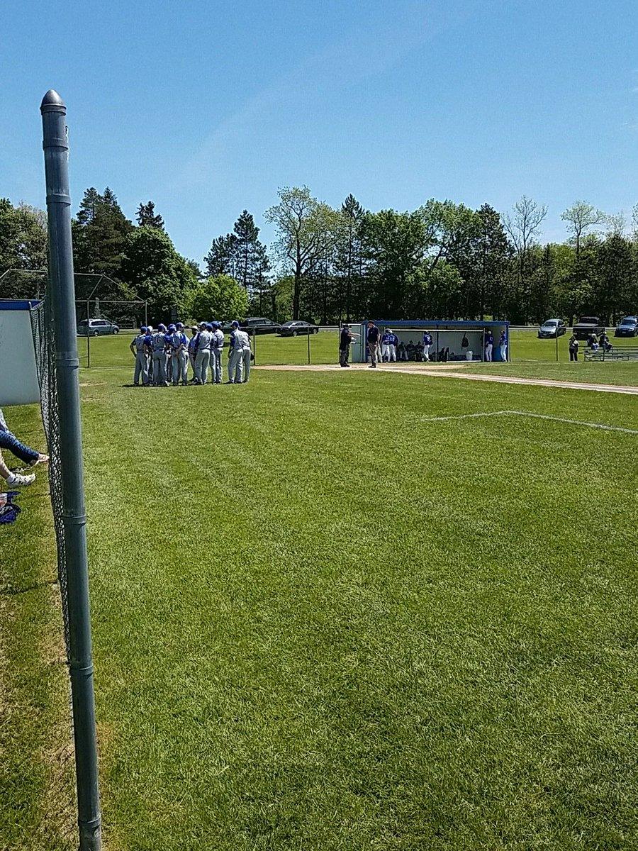 Beautiful day for some baseball. #SectionV #C1 @GCS_Baseball vs. @goBCSbombers <br>http://pic.twitter.com/JsAnixFwjI