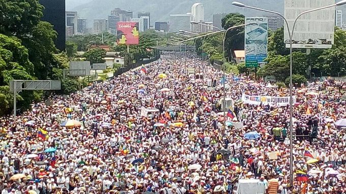 #May20 #Venezuela the largest show of force in the streets after 50 days of unstoppable demonstrations.    #freedom #democracy<br>http://pic.twitter.com/v31Ab87KDp