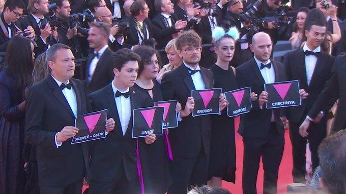 Cannes 2017 : ils profitent des marches de '120 battements par minute' pour dénoncer le sort des homosexuels en… https://t.co/tdxBtzmQQX