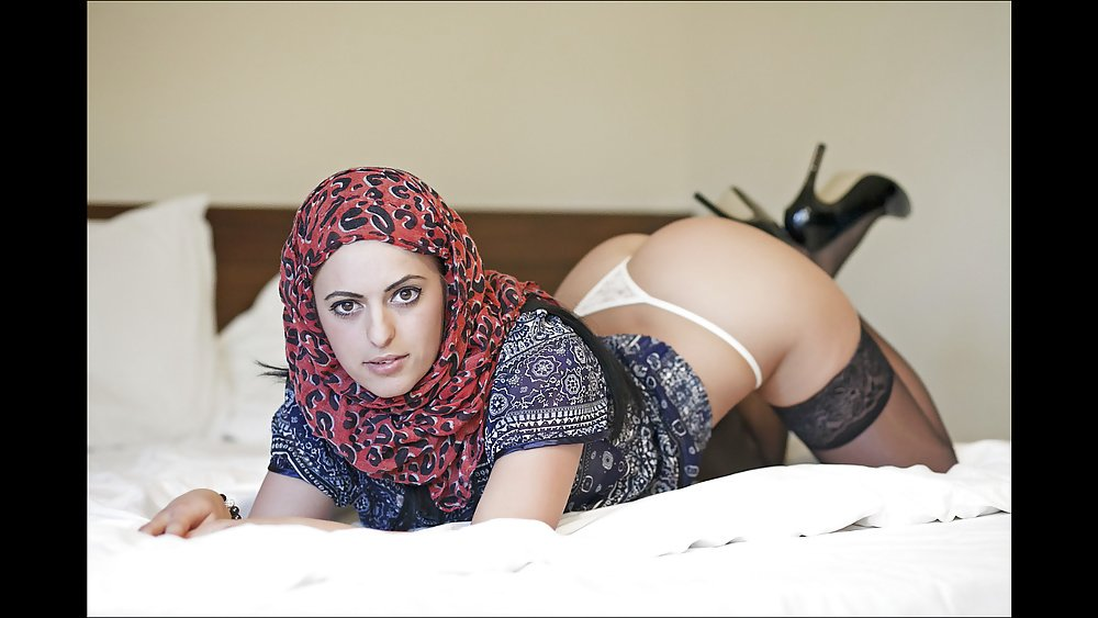 womens-hot-kurdish-babes-pics-gease