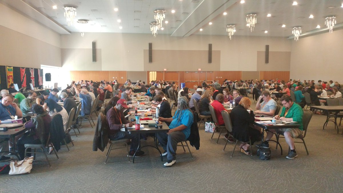This is what 200+ Scrabble nerds looks like #niagarascrabble2017 https://t.co/xdNBKHp7bF