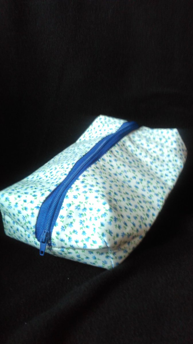 Lovely white and blue floral box pencil case.Handmade by us here at Amelia&#39;s Grotto #blue #floral #box #pencil #case #handmade<br>http://pic.twitter.com/VjlXal2ndh