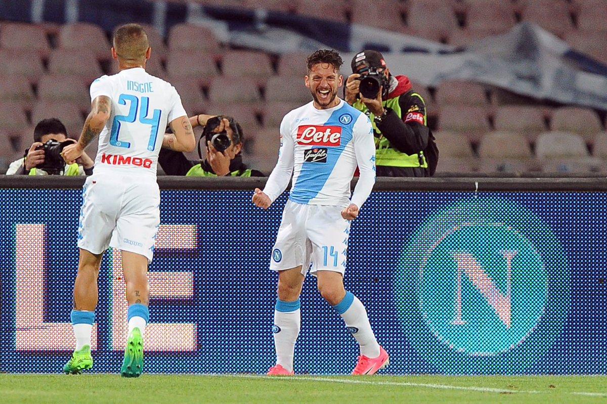 Napoli-Fiorentina è terminata 4-1, i partenopei non mollano la Roma