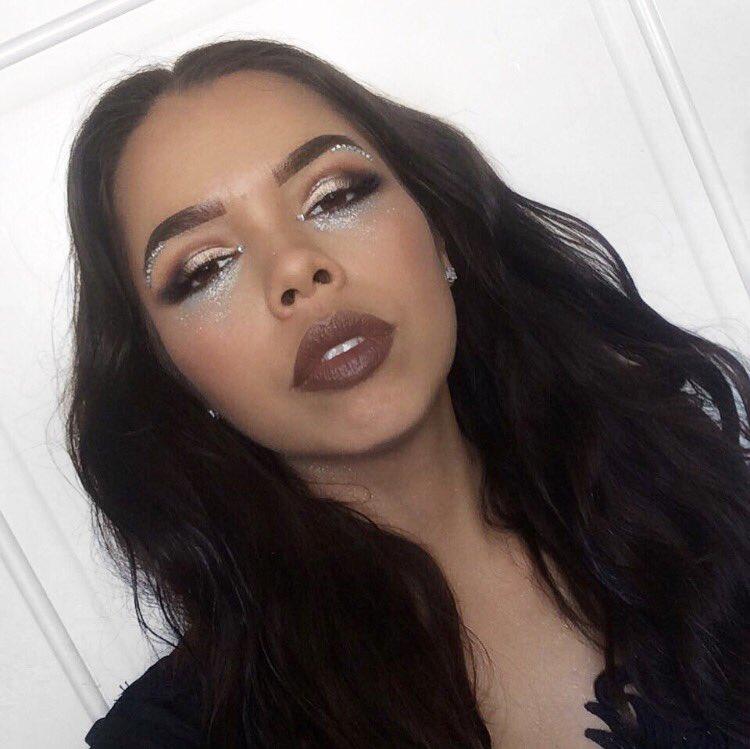 COACHELLA VIBES   #mua #makeupartist #morphebrushes #browsonfleek #makeuplover #anastasiabeverlyhills  #coachella #festival #cavantgardespic.twitter.com/PHJev3HVWb