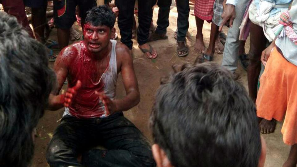 Hands folded, blood-soaked body:Pictures of man begging for life capture brutality of Jharkhand lynching https://t.co/SgqPdZwBRw