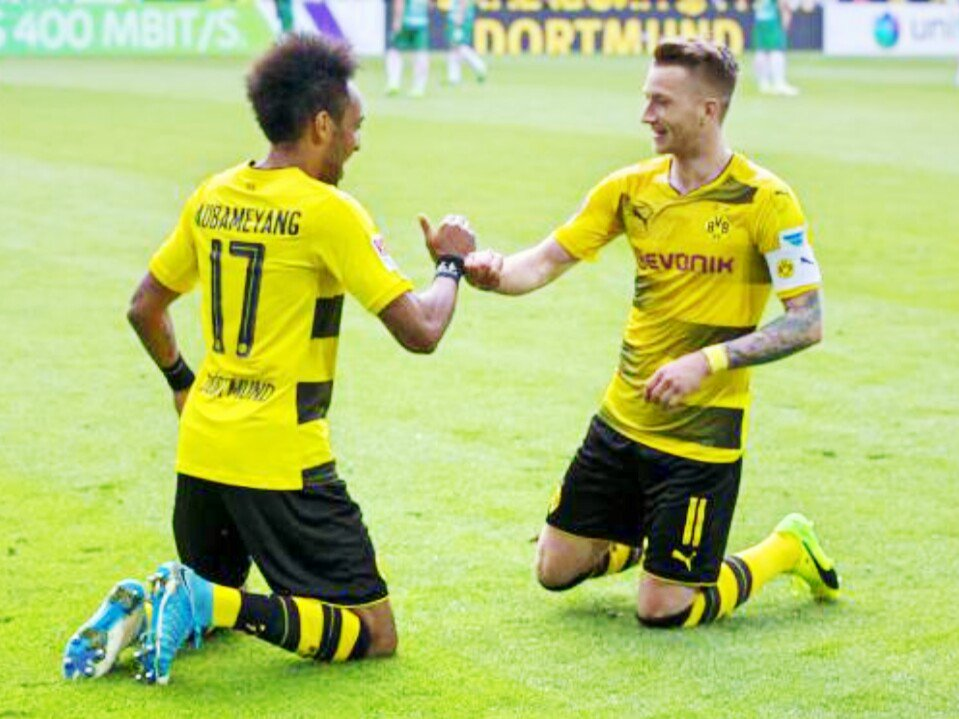 Marco #Reus and P-E #Aubameyang against Bremen Pierre-Emerick Aubameyang and Marco Reus celebrated after scoring a goal against Bremen  <br>http://pic.twitter.com/6DxaYvxWG6