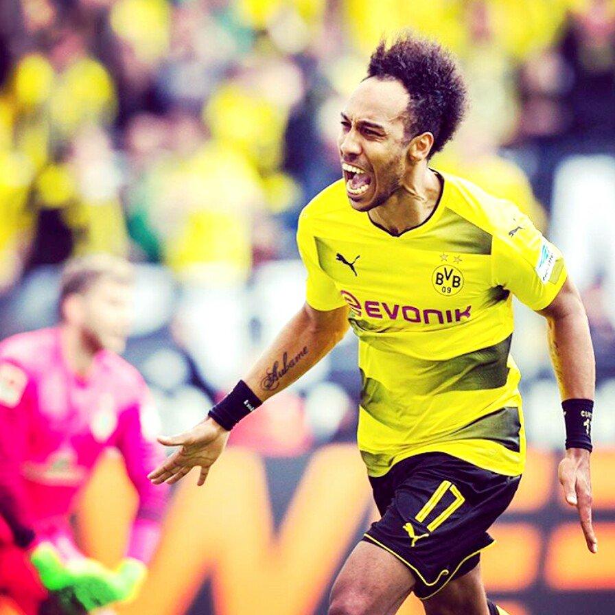 Pierre-Emerick #Aubameyang in action against Bremen  #BVB<br>http://pic.twitter.com/n1vTZmrrnZ