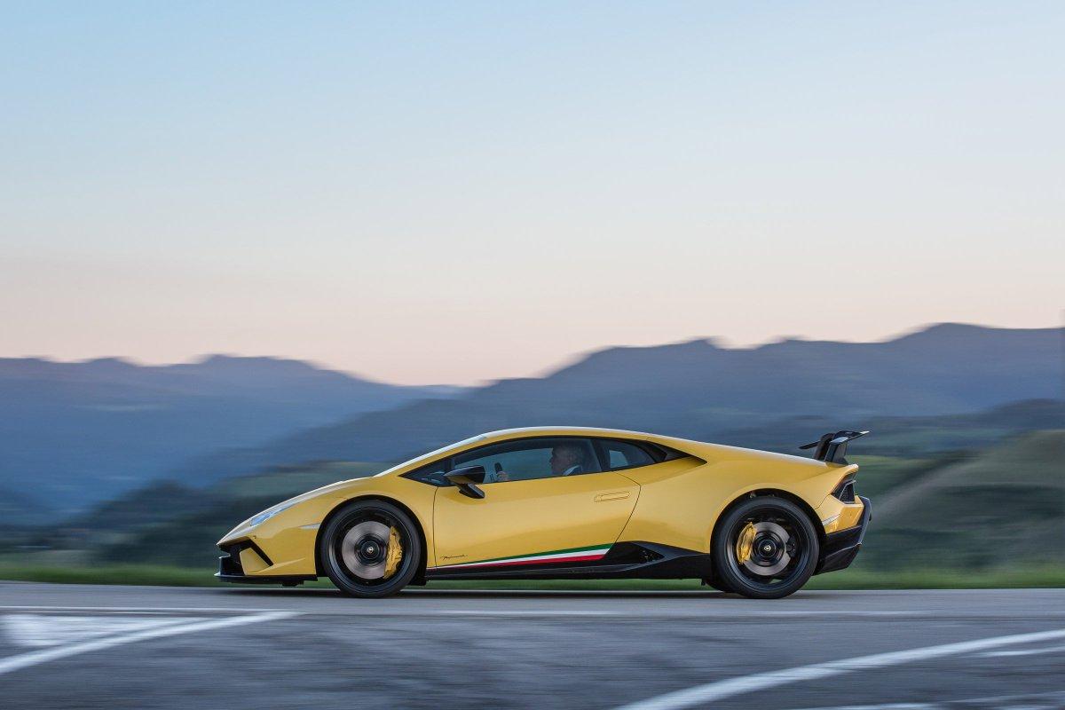 We\'ve just driven the new #Lamborghini Huracan Performante...    @Lamborghini