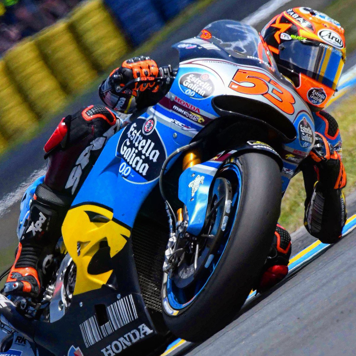 Elbow down @TitoRabat #FrenchGP @MotoGP @TeamEG00MarcVDS #speed #bikes #bikers #race #spidiwarrior #ridetrue