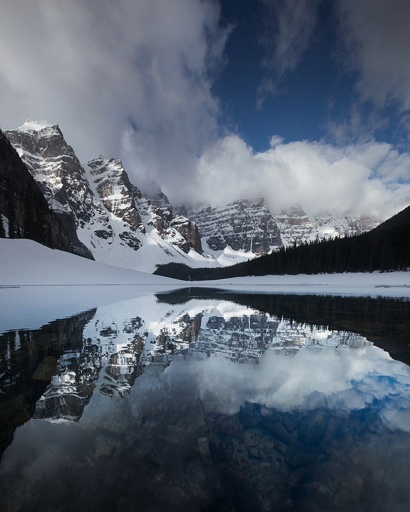 The first open water at Moraine Lake for the season! The road is scheduled to open later this week.  #MyMoraine #M…  http:// ift.tt/2r61UFl  &nbsp;  <br>http://pic.twitter.com/ne9RS5N3Uo