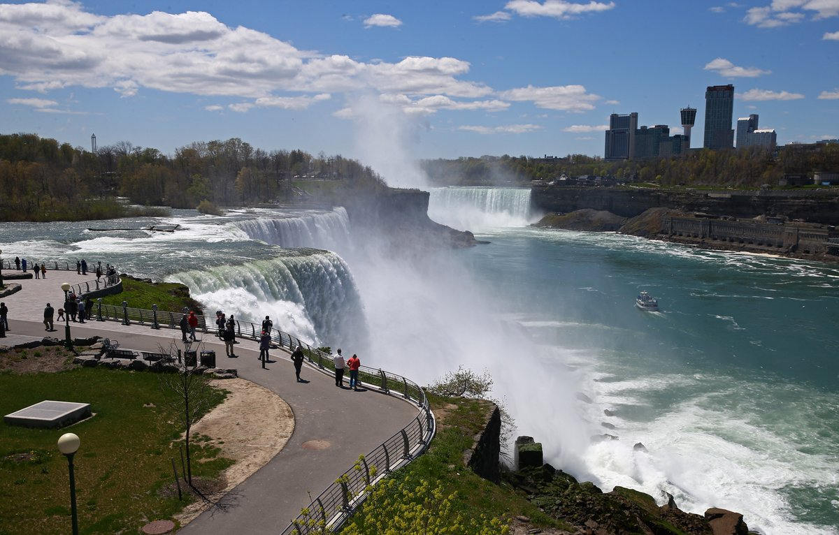 Escorts in niagara falls