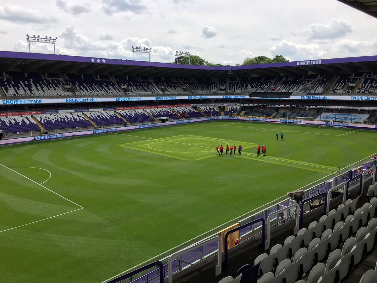 Matchday ! @rscanderlecht VS @kvoostende ! #pxs11 #ANDKVO<br>http://pic.twitter.com/h9HGd8NGY1
