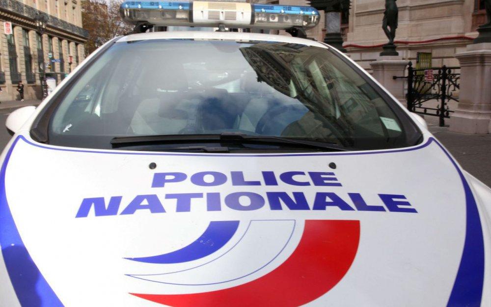 🇫🇷 #Grasse Un homme tue son père à coups de couteau alors qu'il est hospitalisé. https://t.co/VxMOSMgmSl