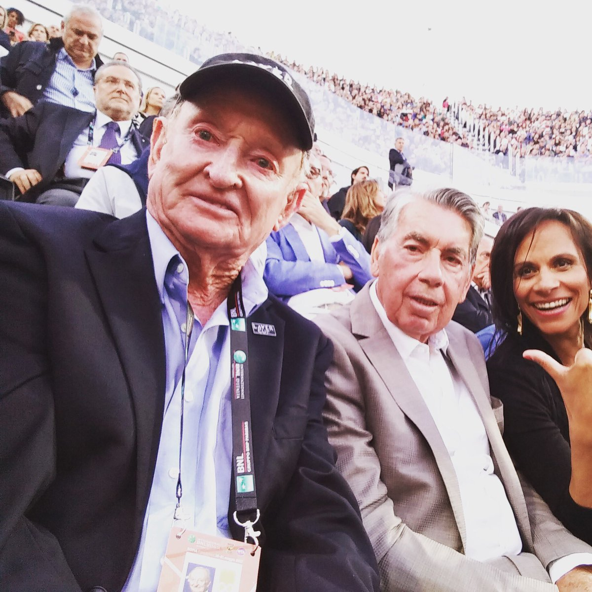 "Laver Cup on Twitter ""Legendary selfie Rod Laver captures a"