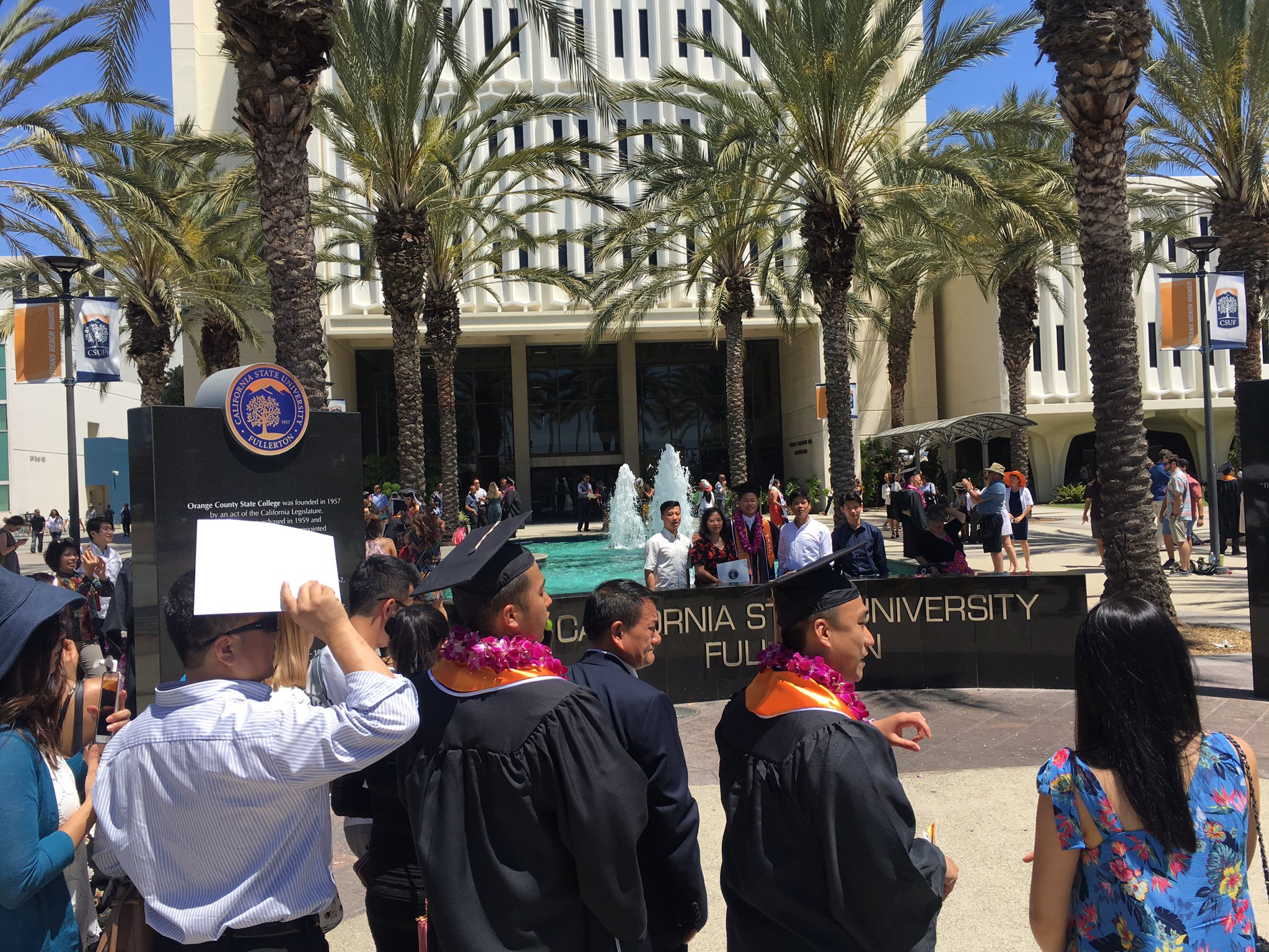 And now some photos at the fountain.  Congrats to all our grads!  #CSUF2017 #TitansReachHigher https://t.co/PILzA9psD5