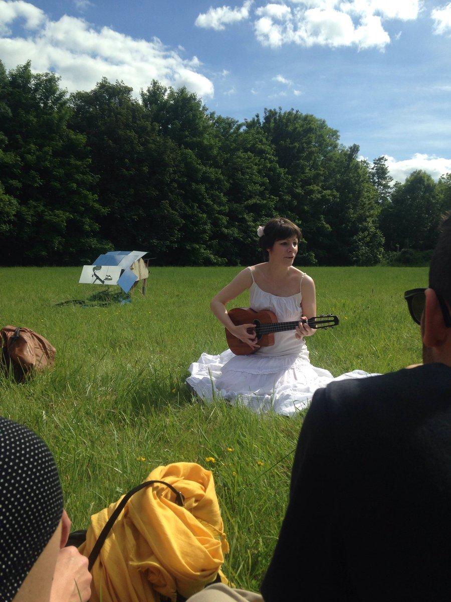 Il fait Bon Vivre chez nous ! #poésie en plein air #laFactorie #valdereuil