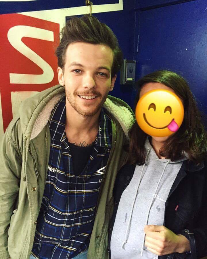 Louis with fans in Doncaster!!!  #LouisTomlinson #Louis #Tomlinson #Tommo #JustHoldOn<br>http://pic.twitter.com/cm1V4ho4TP