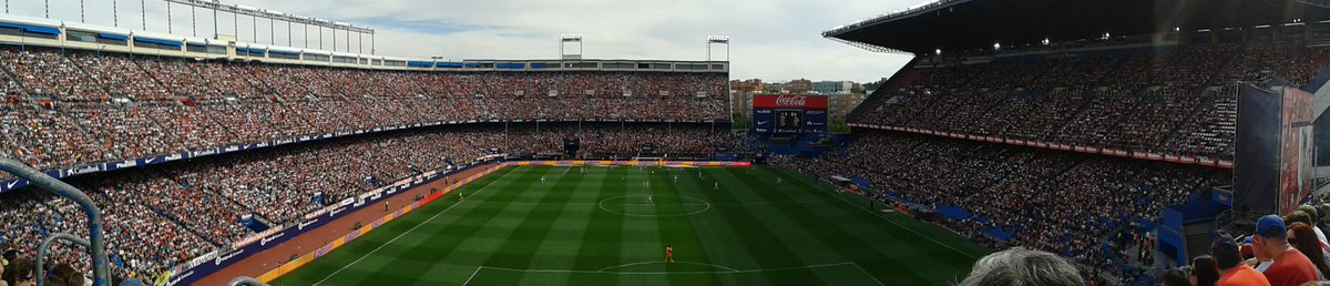 .@AtleticoFans My only #MemoryOfTheCalderón is seeing Augusto get injured then chant Grizi&#39;s name with the crowd. Unforgettable. #AúpaAtleti <br>http://pic.twitter.com/1WQywKU7uG