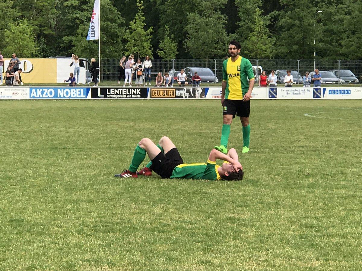 Ontluisterende nederlaag #WVV34 bij #vvHengelo, verslag zie http://www.wegdamnieuws.nl/nieuwsoverzicht/sport/item/5471-ontluisterende-nederlaag-wvv-34-als-kaartenhuis-ingestort…