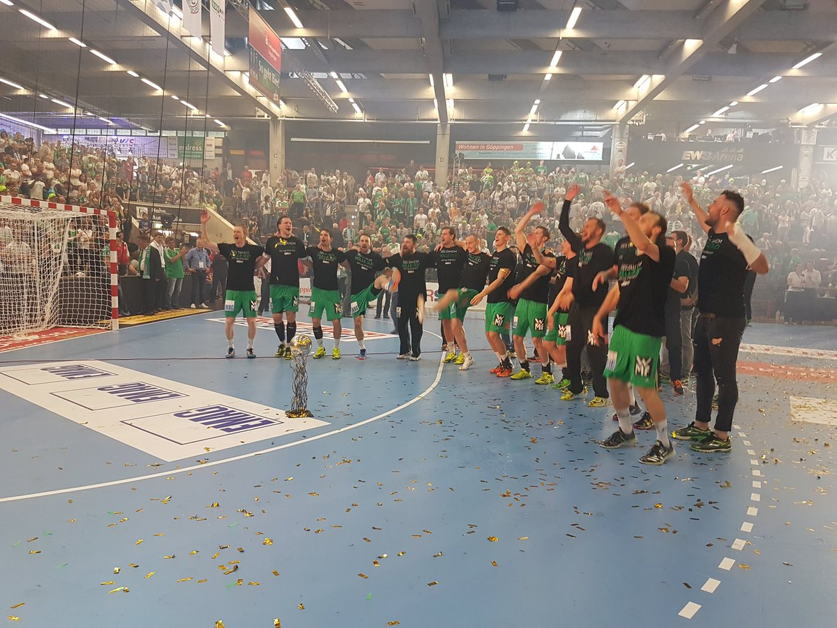 RT @EHF_Live: .@FRISCHAUFGP celebrate with their fans and their new #ehfcupfinals trophy https://t.co/a8iAsNgd2L