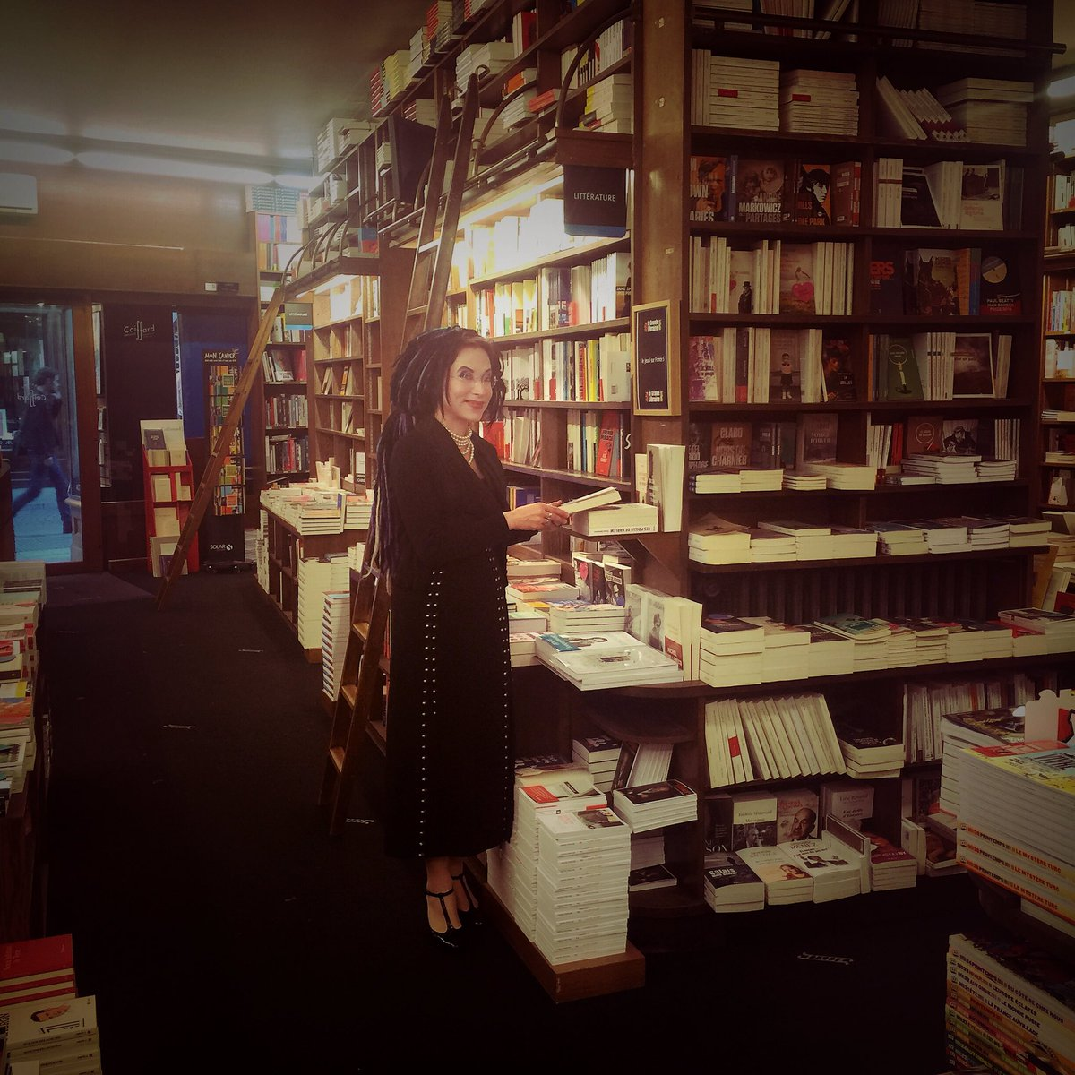 This is what a bookstore should look like. #coiffard #nantes #france #librairie<br>http://pic.twitter.com/VziWZj2oeY