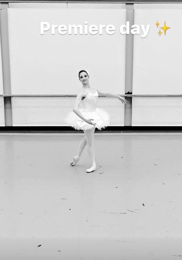 About last night ! #SymphonyinC #Balanchine #SemperOperDresden pic.twitter.com/kxTjB5Oyxk