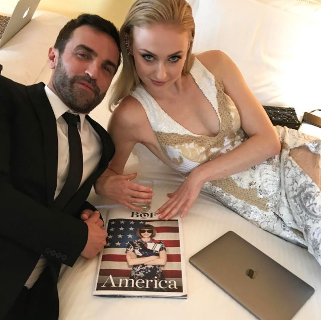 Sophie Turner and @TWNGhesquiere at the 2017 Met Gala. #MetGala #MetGala2017<br>http://pic.twitter.com/na1Up0UKxO
