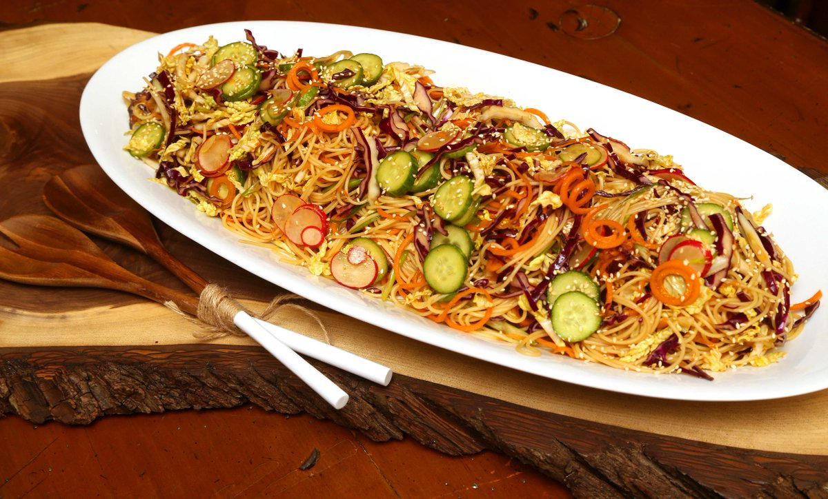 Spice up summer w #Asian Noodle #Salad a la @jillstable #recipe   http://www. lfpress.com/2017/05/17/far e-with-flair-asian-touch-on-salad &nbsp; …  #food #lfp photo <br>http://pic.twitter.com/4Uz9YOFnVf