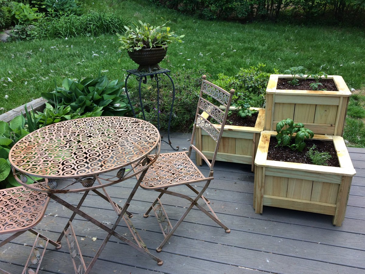 #custom #order #planters look great on the #patio  #etsychaching #woodworking #wood #garden #follo4follo #like #handmade #outdoors<br>http://pic.twitter.com/XeOLZcUKY8