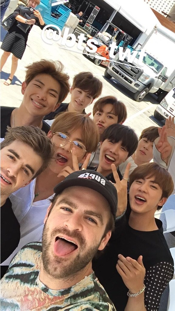 Picture Video Bts With The Chainsmokers 170522