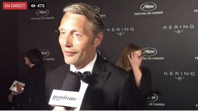 Mads Mikkelsen : 'Les actrices qui m'inspirent ? Cate Blanchett et Jennifer Lawrence' >>   https://t.co/V2HAYioIVp#FacebookLive#Cannes2017