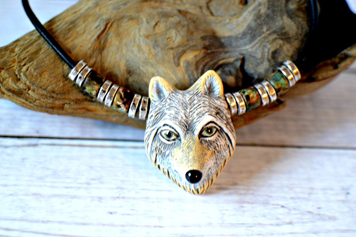 Great Father&#39;s Day gift! #etsysmallbusiness #etsy #wolfnecklace #spiritanimal #FathersDay #Mensfashion #mensstyle #jewelry<br>http://pic.twitter.com/PoTN4Dl1Ul