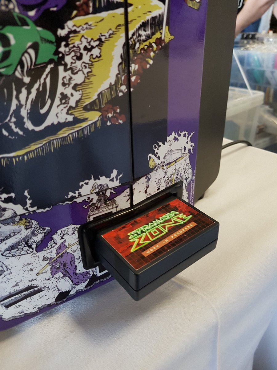 If you&#39;re both a #Battlezone &amp; #Vectrex fan you NEED to check out this work in progress by Jim of the Vectrex Fans Unite Facebook group<br>http://pic.twitter.com/loNezB5HWH