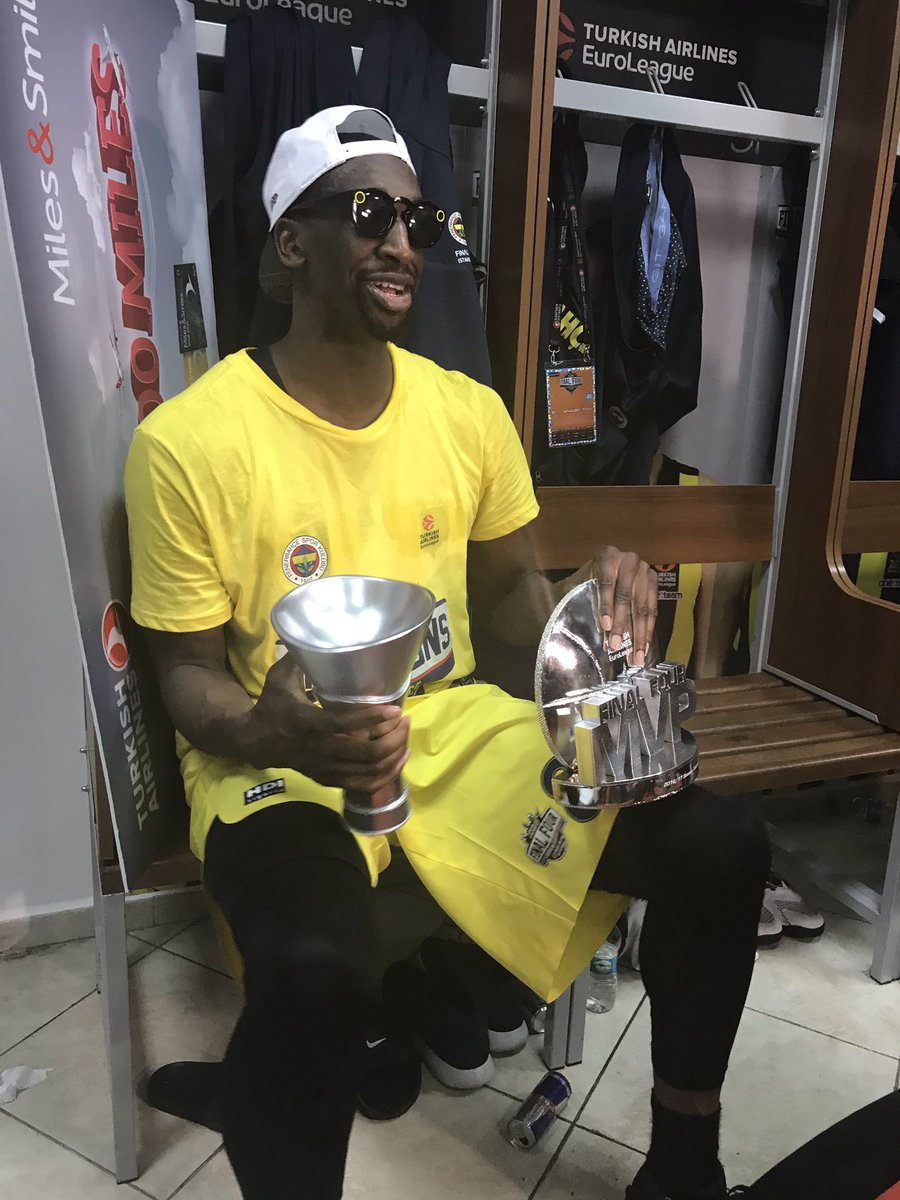 #F4MVP @EkpeUdoh with his trophies.  Stay tuned on EuroLeague Snapchat...