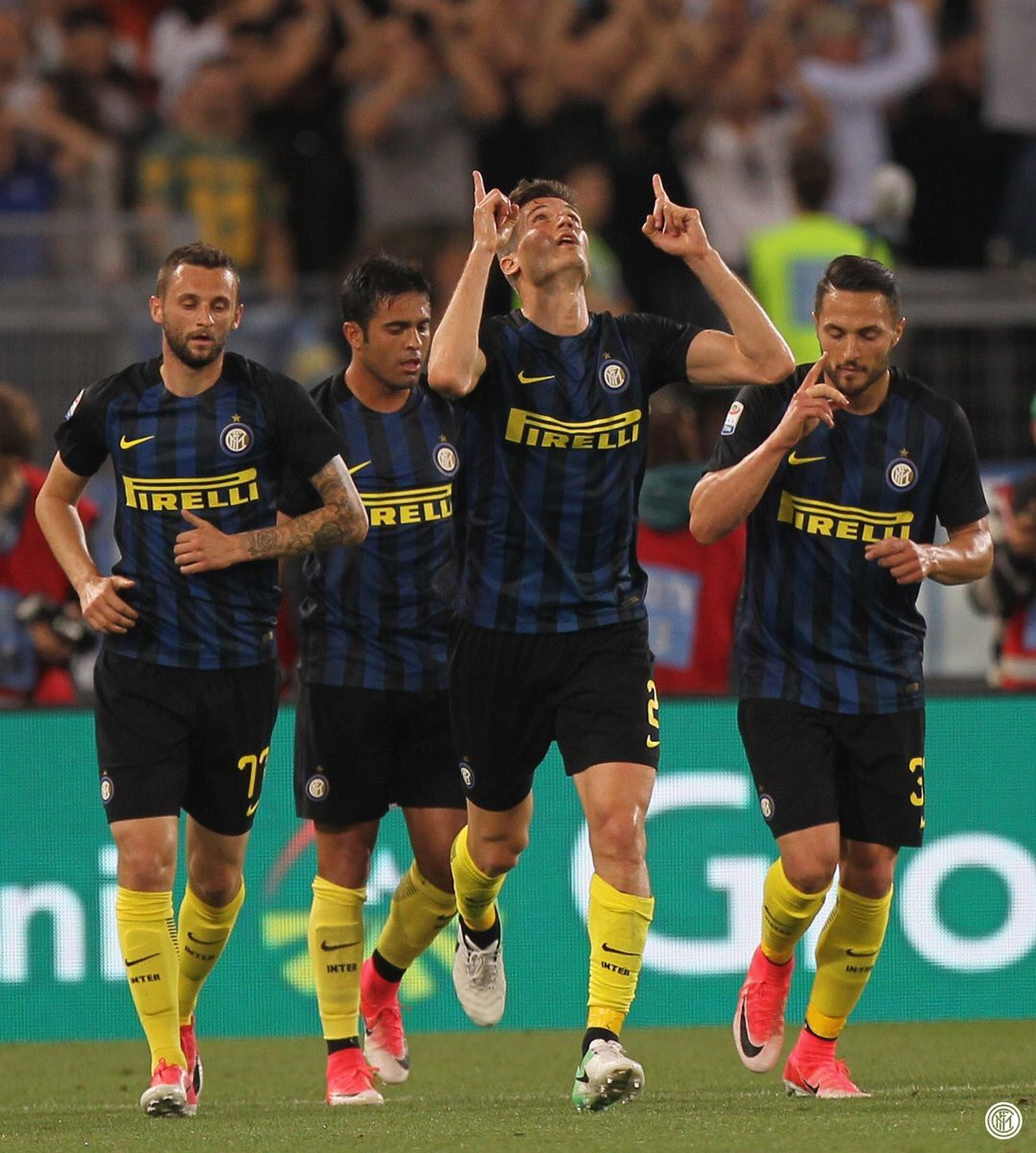 #Inter played with 6 #Italians  today against #Lazio, #DAmbrosio #Santon #Andreolli #Gagliardini #Eder #Candreva. It has been a long time!<br>http://pic.twitter.com/OpfNiN0Yvb