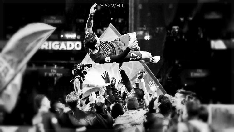 Maxwell. #ParisLovesMaxwell <br>http://pic.twitter.com/SGJCv5i1xV
