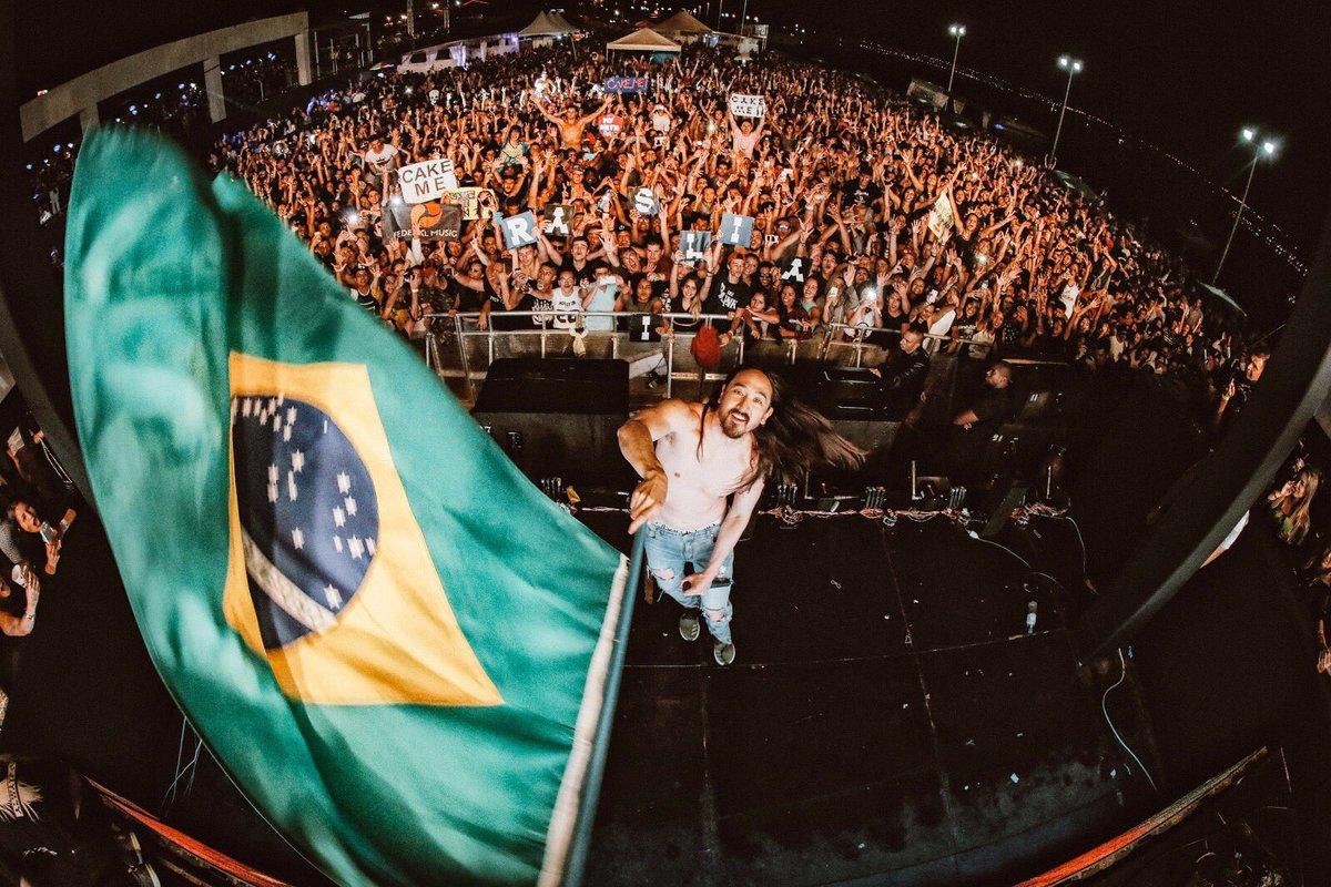 Brasilia!! Sempre incrível tocar em um país tão contagiante como o Brasil! Amo vocês! 🇧🇷🇧🇷🇧🇷