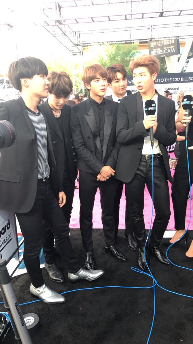 Your boys @bts_bighit are here! #btsbbmas #BBMAs #WWOBackstage https://t.co/XCNFGGFSjF