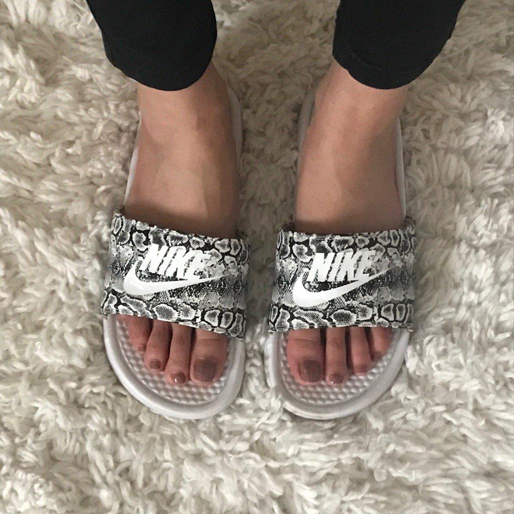 Feet Kylie Jenner nude photos 2019