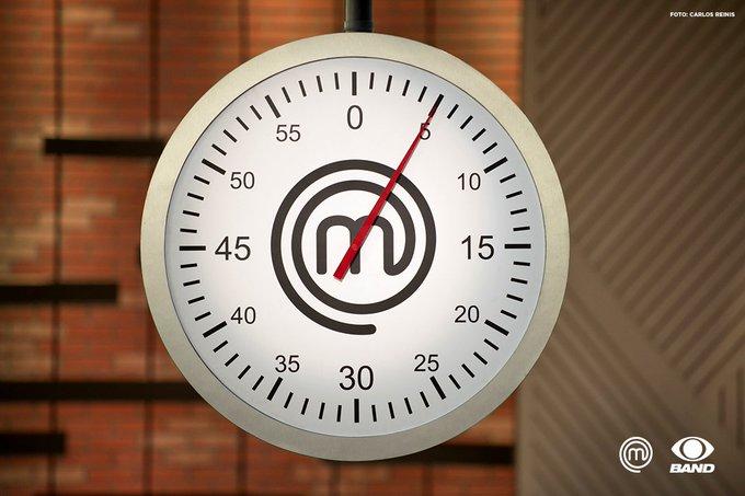 O tempo preocupou, mas a @MChefDeborah conseguiu surpreender nos últimos minutos de prova: https://t.co/sPGDNh7NEf #MasterChefBR