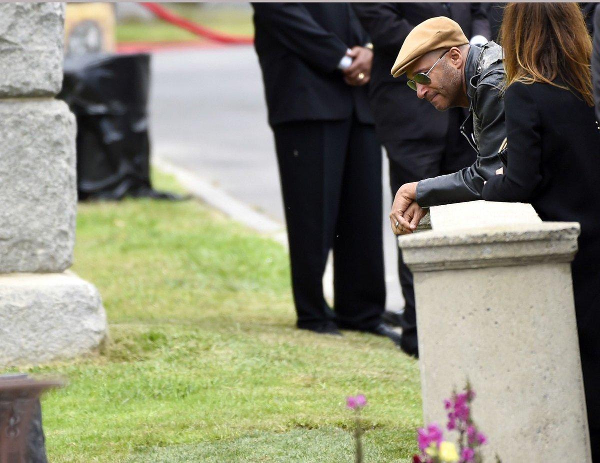 Ele tinha planos, cara', diz Serj Tankian sobre papo recente com Chris Cornell https://t.co/wjbM4ZtIIW