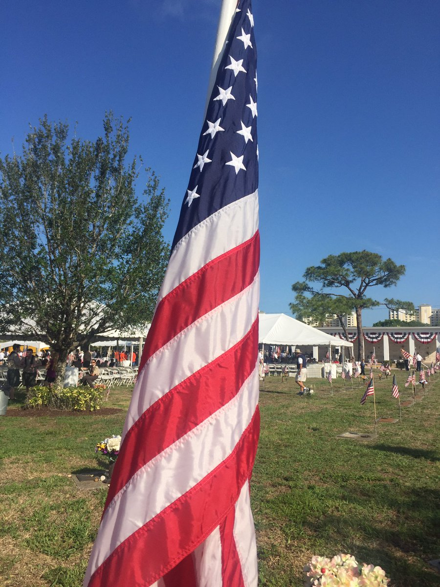 community honors memorial day at hodges funeral home at naples memorial garden ndnpictwittercomsepzkjtaoz hodges funeral. Interior Design Ideas. Home Design Ideas