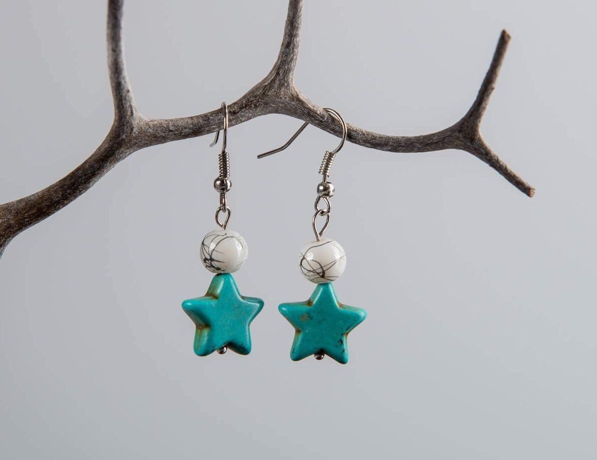 Feel like a superstar in these #turquoise #earrings from our #charity #etsyshop! http:// ow.ly/TdSD30c7NWZ  &nbsp;   #jewelry #etsy #handmade #etsyseller <br>http://pic.twitter.com/4iCkWcGYVH