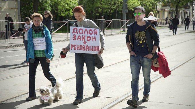 Russians protest plans to demolish Soviet-era apartment buildings https://t.co/Ln7Q1dAzjD