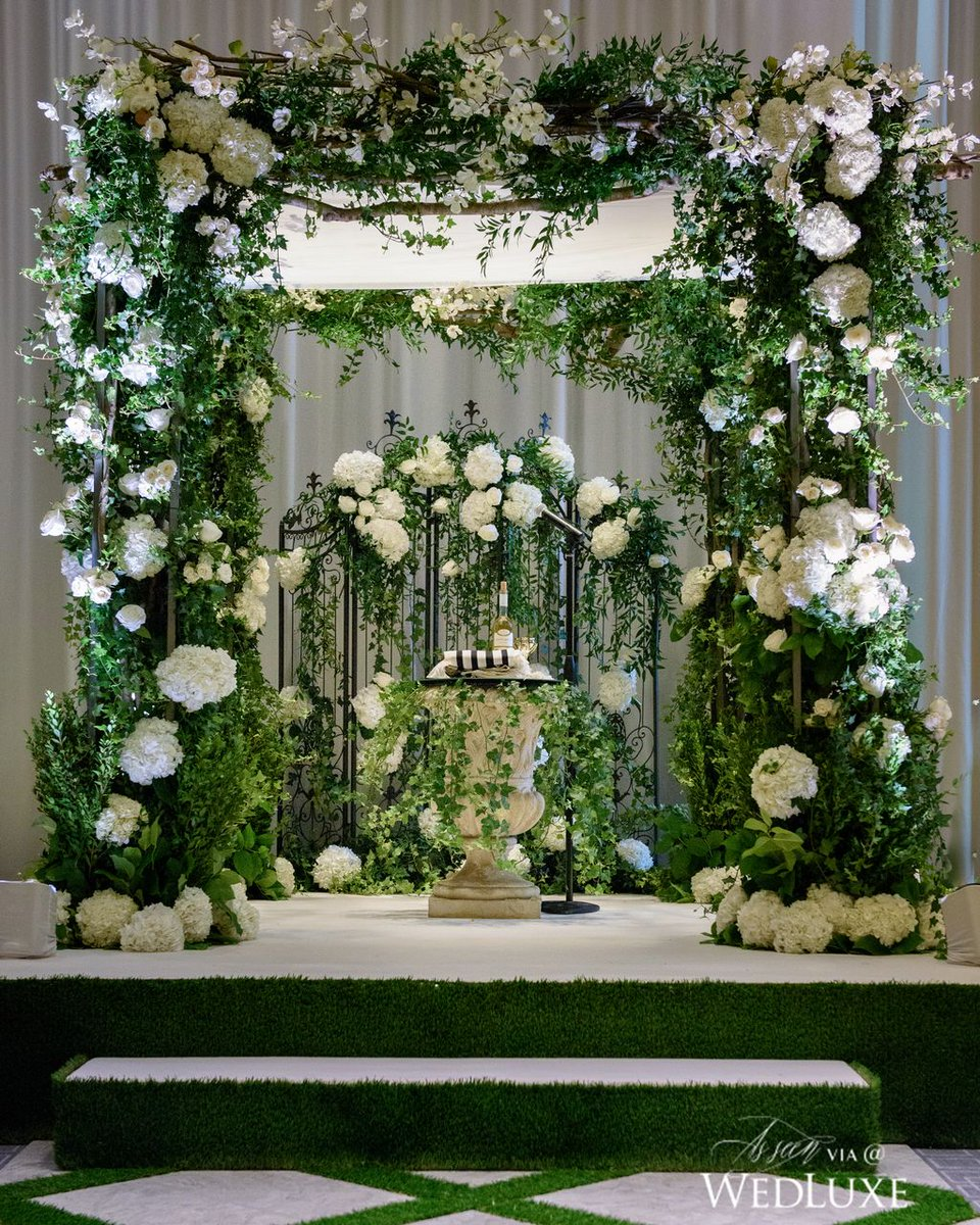 Isn't this chuppah pure #wedding magic? See more:  http:// wedluxe.com/greenery-fille d-wedding-inspired-gardens-tuscany/ &nbsp; … <br>http://pic.twitter.com/QhDlJs8GVU