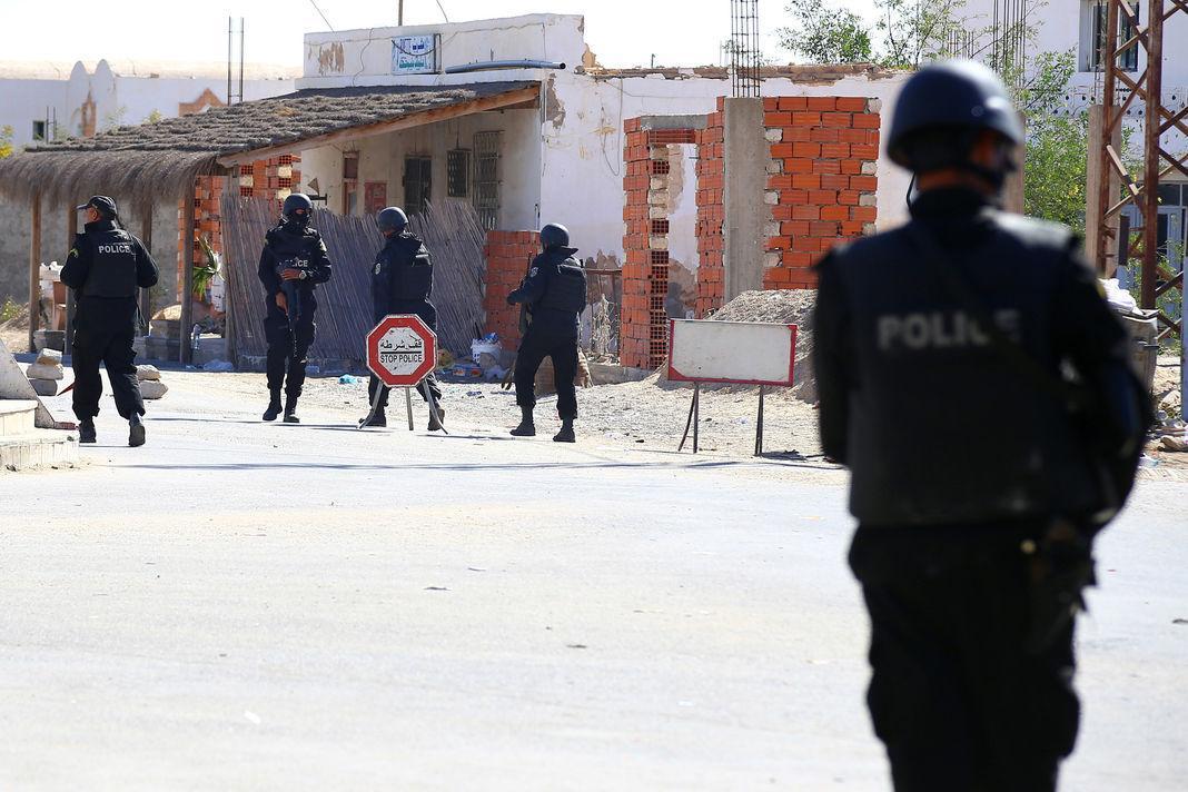 #Tunisie : les autorités affirment avoir éliminé un dirigeant du groupe EI.  https://t.co/busPBxe8Un