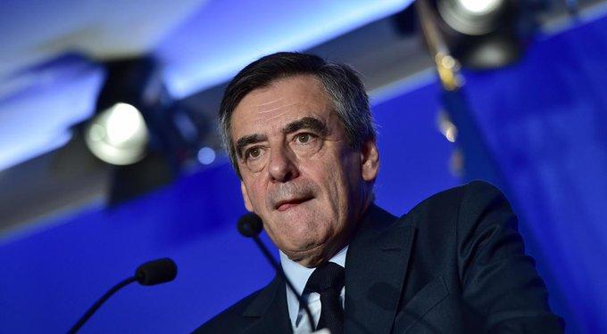 Emplois présumés fictifs : François Fillon s'est rendu chez les juges  👉https://t.co/MtaMlgZ05R