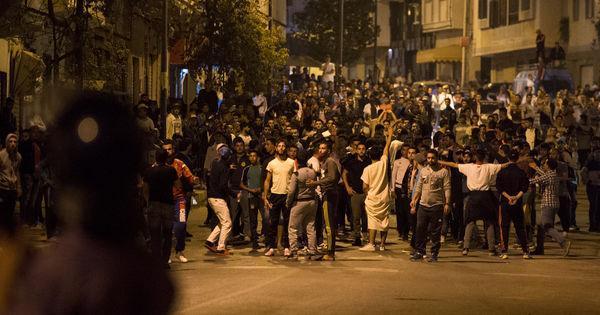 Maroc: nouveaux rassemblements à Al-Hoceima mais pas d'incident majeur https://t.co/OD8CjgTGrU