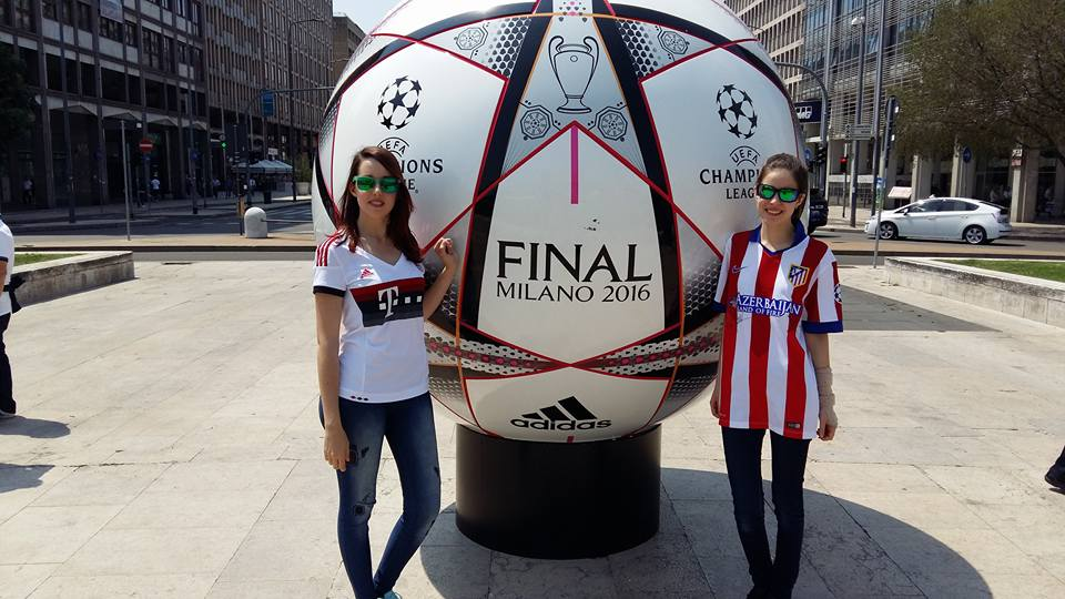 Aaaaaand a year ago today: #FCBayern #Atletico @Anabel_penguin<br>http://pic.twitter.com/t3ITvpPRxH