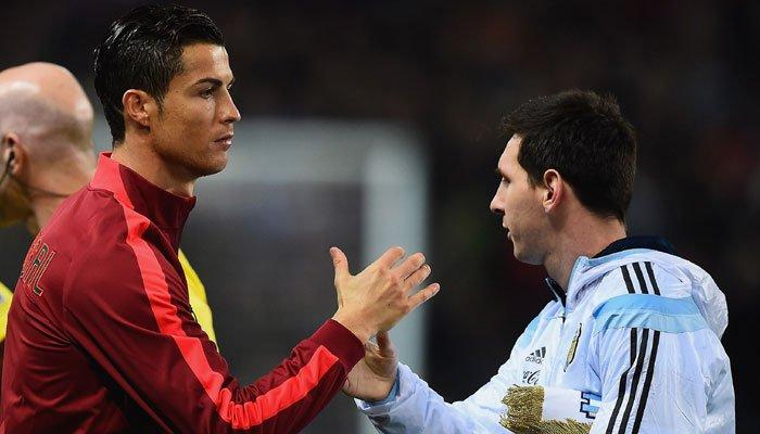 #cristianoronaldo better than #LionelMessi this season, says Brazilian legend #Ronaldo    http:// zeenews.india.com/football/crist iano-ronaldo-better-than-lionel-messi-this-season-says-brazilian-legend-ronaldo-2010101.html &nbsp; … <br>http://pic.twitter.com/SwTLnht5ac